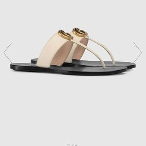 Gucci Leather thong sandal with Double G Size 38